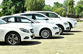 Qualified and best experience Luxury car rental service in Jaipur